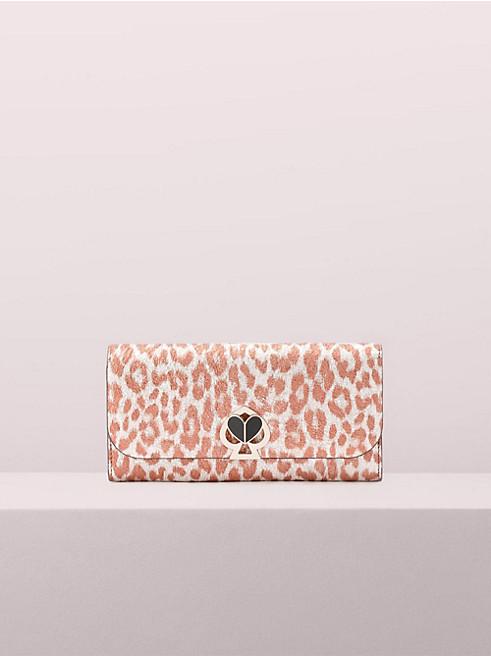 20代女性にぴったりの「ケイトスペード」の長財布